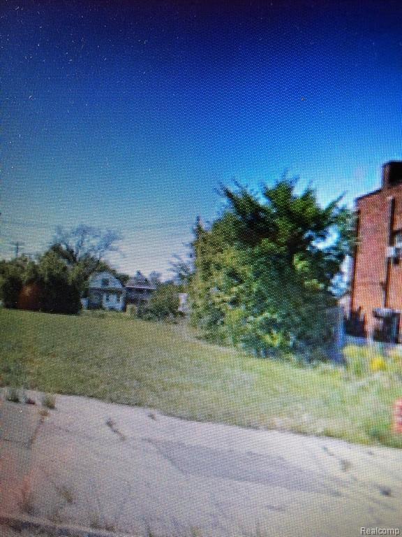 1689 W Grand Blvd, Detroit, MI 48208 (MLS #219068609) :: The Tom Lipinski Team at Keller Williams Lakeside Market Center