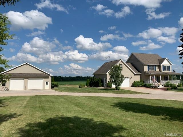 4815 Shoemaker Rd, Almont, MI 48003 (MLS #219069214) :: The John Wentworth Group