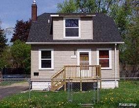 232 W Howard St, Pontiac, MI 48342 (MLS #2200004883) :: The John Wentworth Group