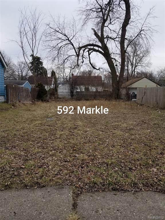 592 Markle Ave - Photo 1