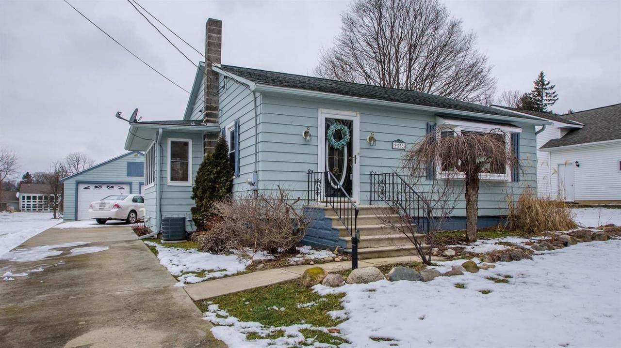 216 Auburn St - Photo 1