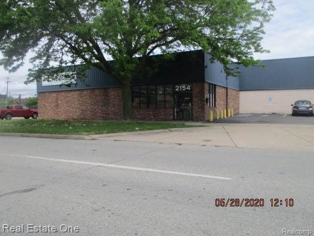 2154 Eureka Rd, Wyandotte, MI 48192 (MLS #2200037163) :: The Tom Lipinski Team at Keller Williams Lakeside Market Center