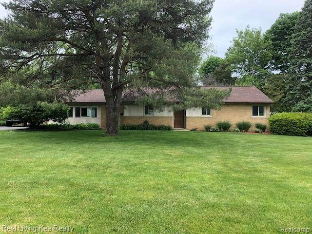 201 Lesdale Dr, Troy, MI 48085 (MLS #2200037470) :: The Tom Lipinski Team at Keller Williams Lakeside Market Center