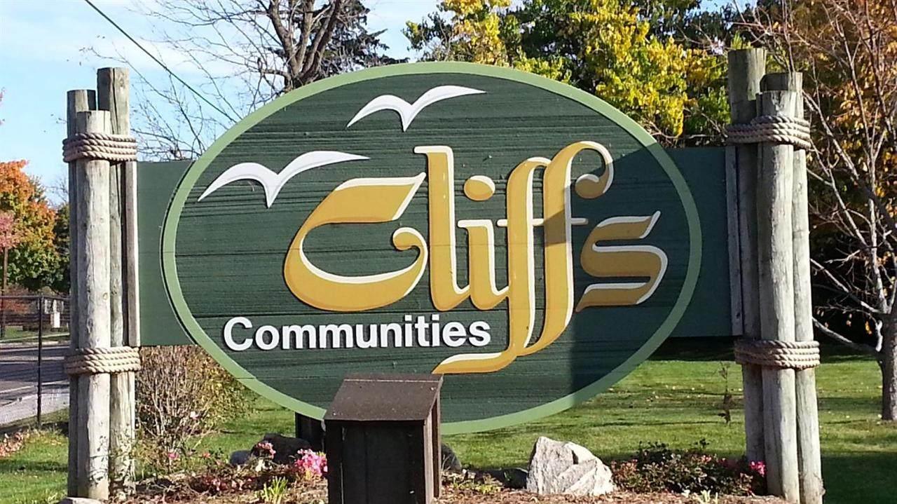 824 Cliffs Dr - Photo 1