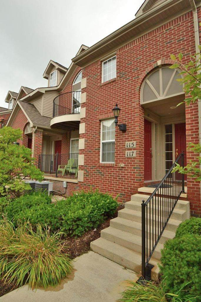 117 Oakbrook Dr - Photo 1