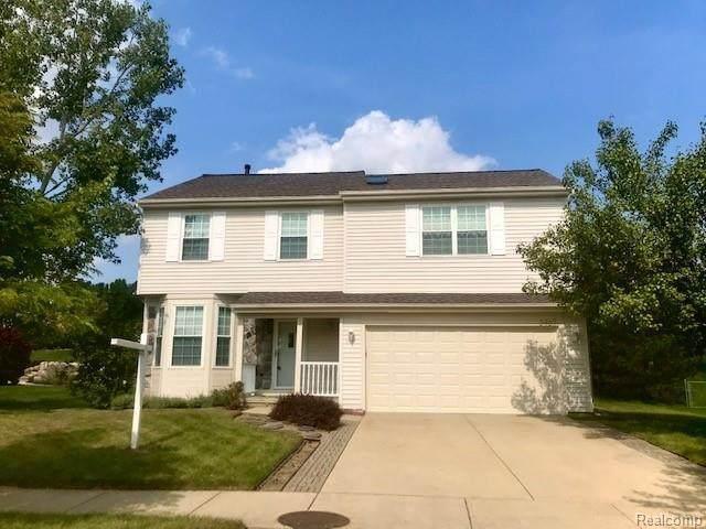 3467 Pond Ridge Dr, Holly, MI 48442 (MLS #2200078889) :: Scot Brothers Real Estate