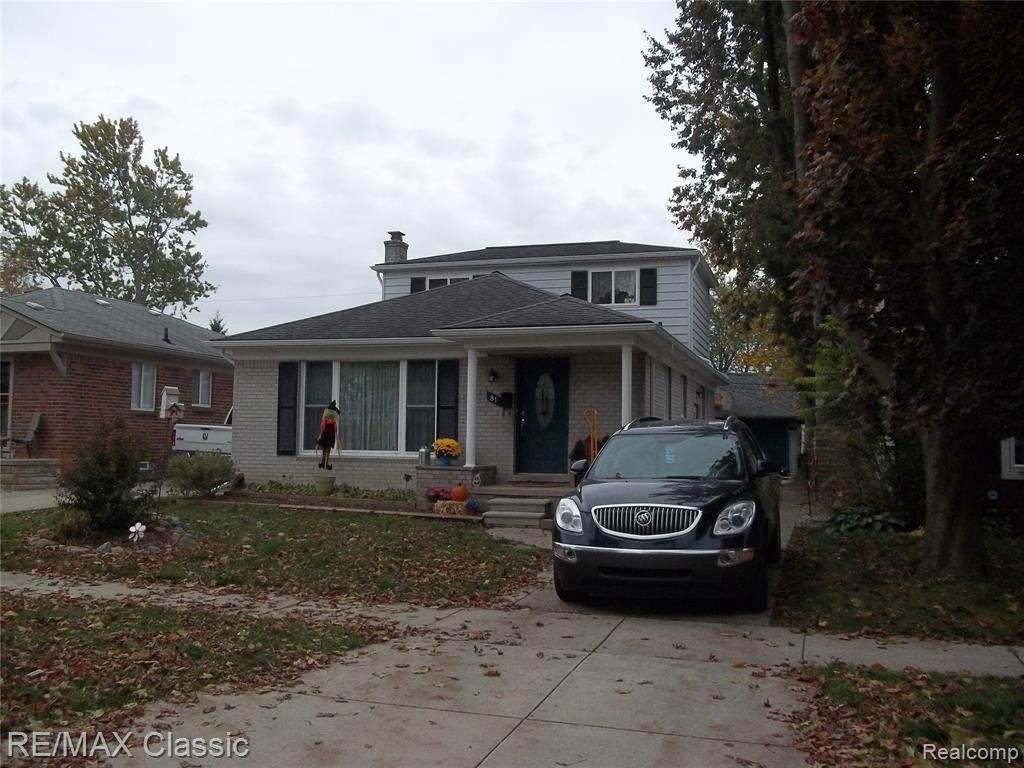 81 Elmwood Ave - Photo 1