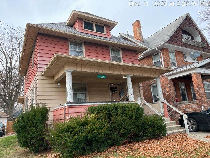 1036 First St - Photo 1