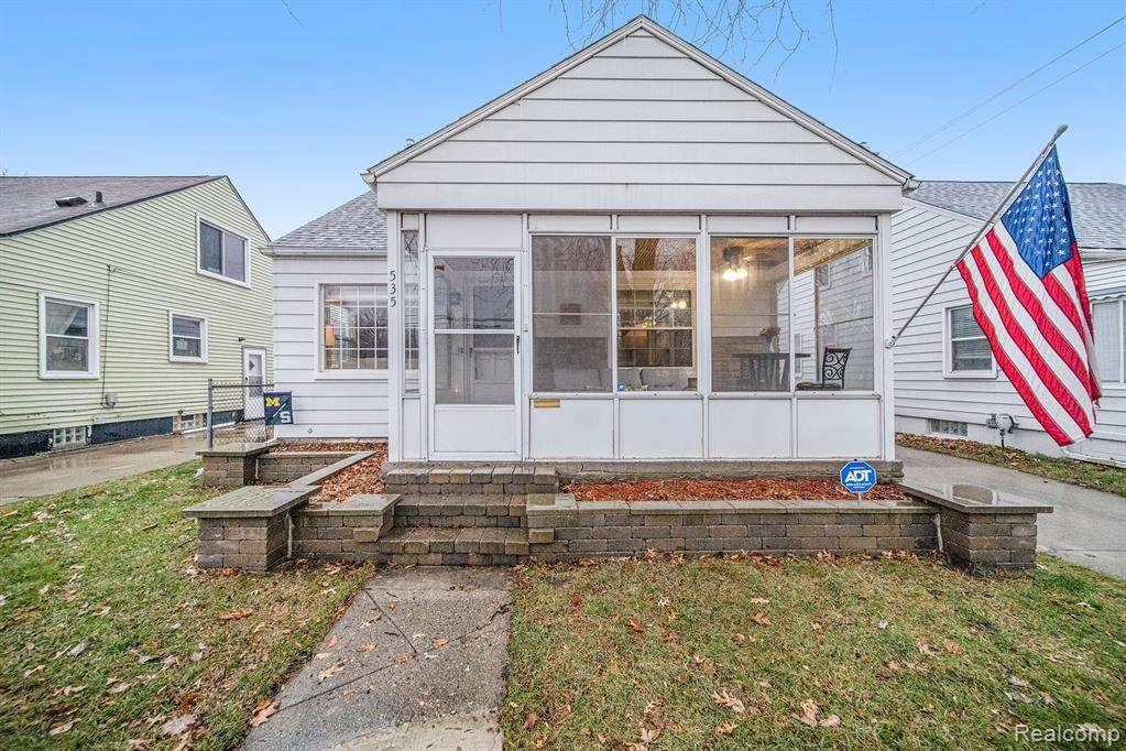 535 Campbell Rd - Photo 1