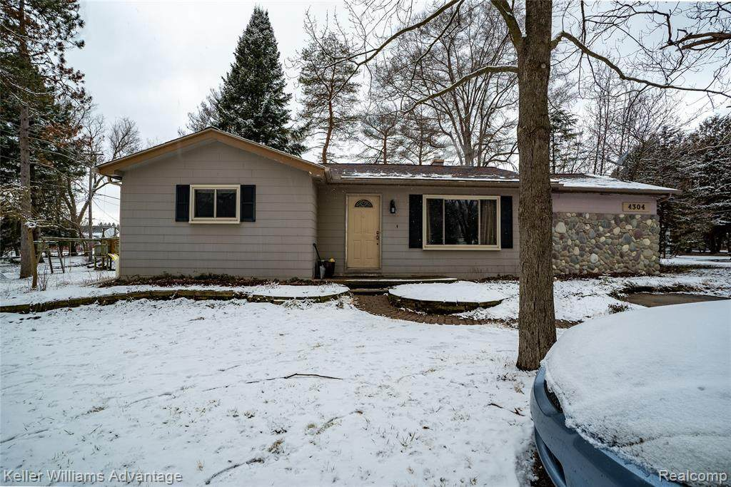 4304 Collins Rd - Photo 1