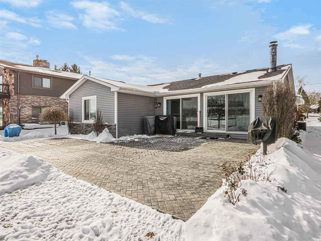 122 Princess Dr - Photo 1