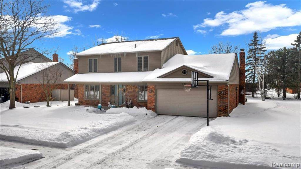 540 Thurber Dr - Photo 1