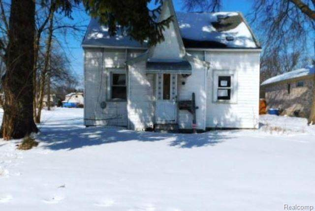 30632 Beechwood St, Garden City, MI 48135 (MLS #2210012338) :: The BRAND Real Estate