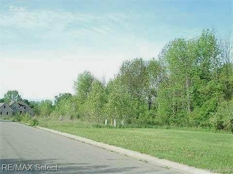 3173 Cornerstone Dr, Flushing, MI 48433 (MLS #2210012110) :: The BRAND Real Estate