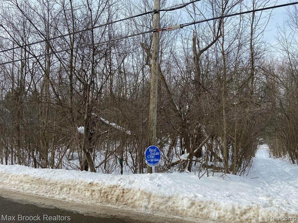 000 Blue Jay Way - Photo 1