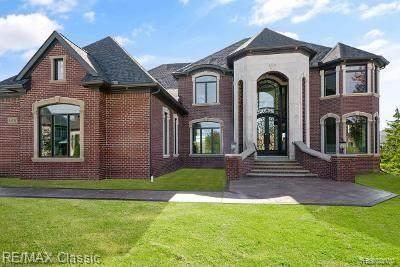 1935 Quarton Rd, Bloomfield Hills, MI 48301 (MLS #2210013677) :: The BRAND Real Estate