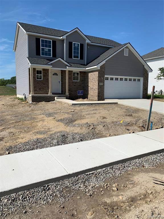2160 Teton, Monroe, MI 48162 (MLS #2210014108) :: The BRAND Real Estate