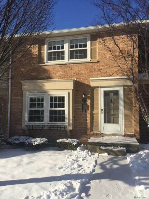 1792 Brentwood Dr, Troy, MI 48098 (MLS #2210014371) :: The BRAND Real Estate