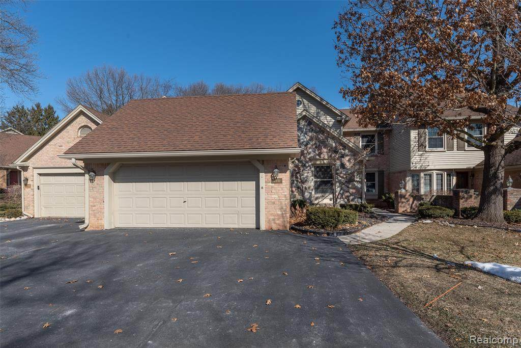 4551 Golf View Dr - Photo 1