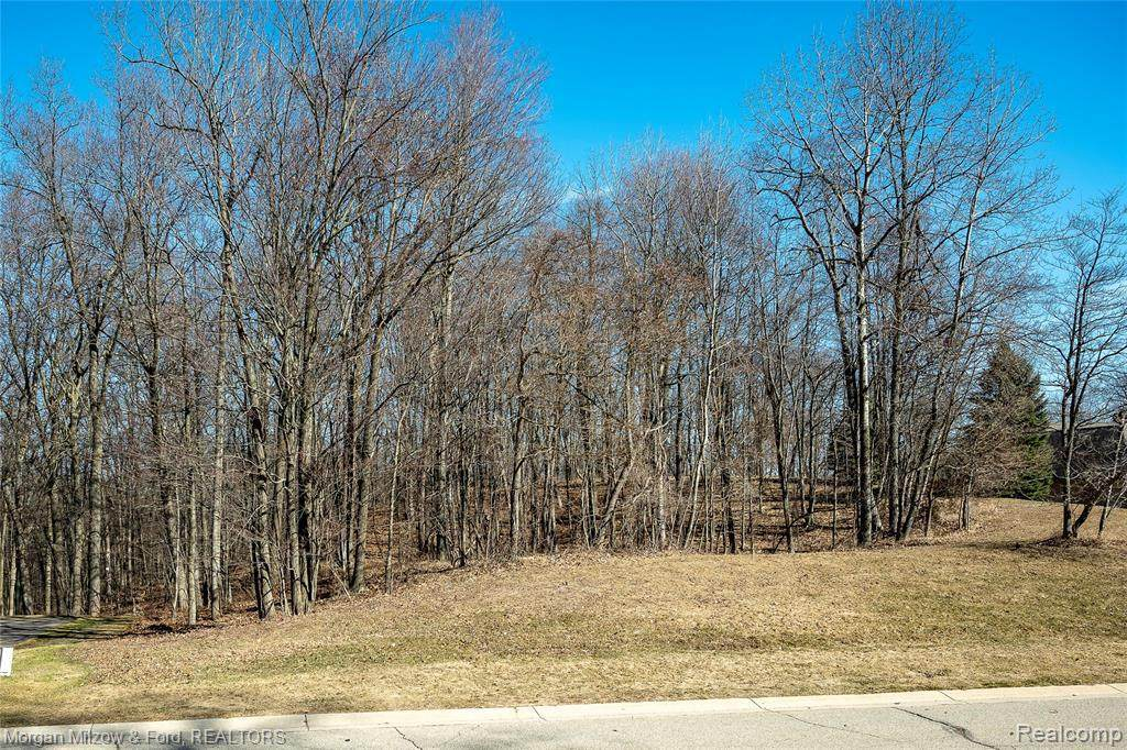 000 Deerwood Rd - Photo 1