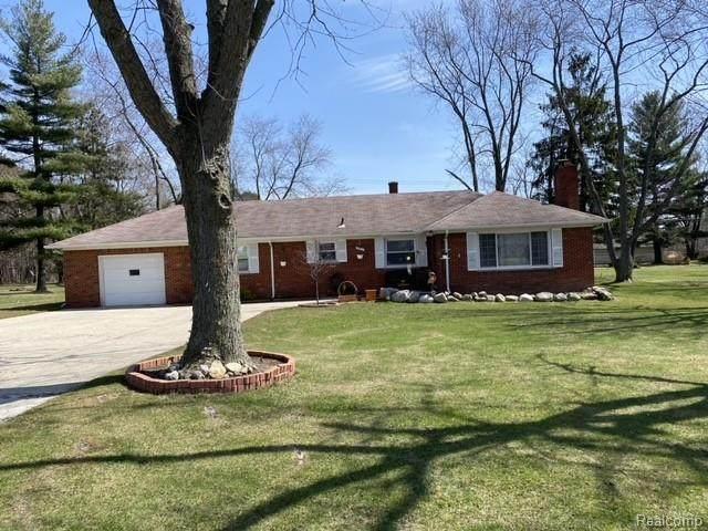 891 S Squirrel Rd, Auburn Hills, MI 48326 (MLS #2210022523) :: The BRAND Real Estate