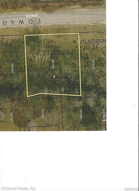 2023 E Edward Lane, Kimball, MI 48074 (MLS #2210023793) :: The BRAND Real Estate