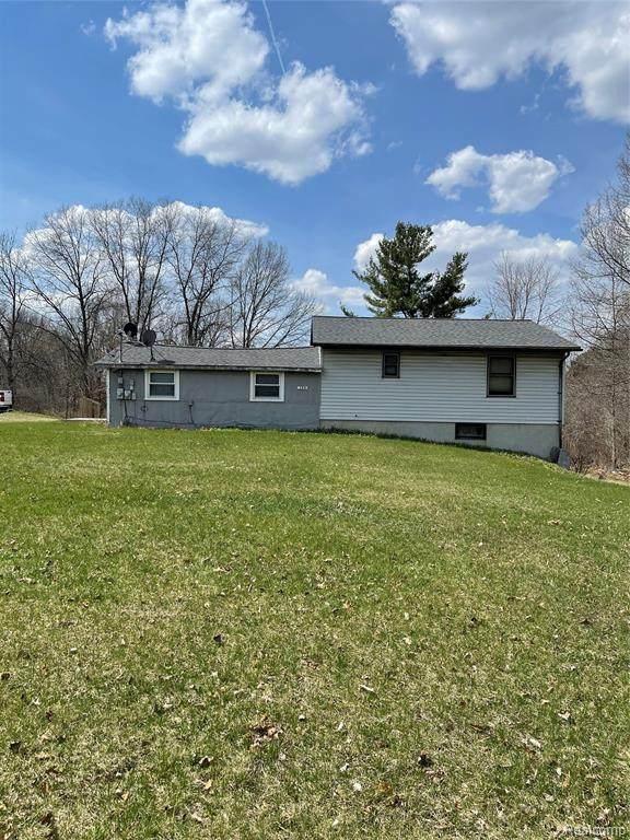 120 S Baldwin Rd S, Clarkston, MI 48348 (MLS #2210024292) :: The BRAND Real Estate