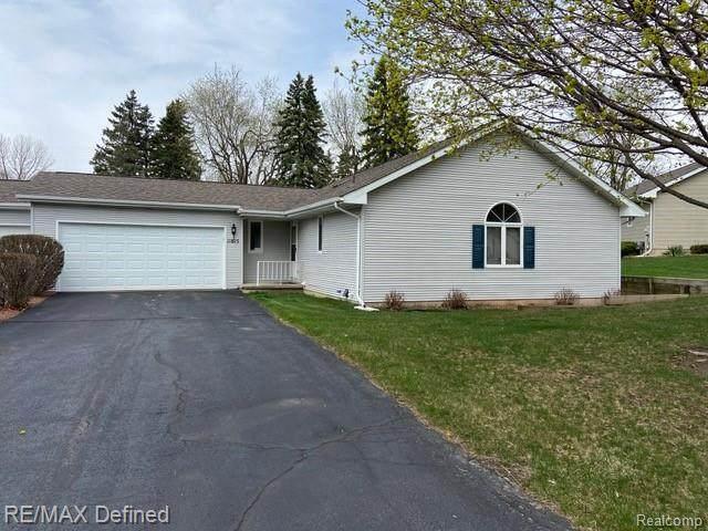 11615 Hawthorne Glen Dr, Grand Blanc, MI 48439 (MLS #2210024394) :: The BRAND Real Estate