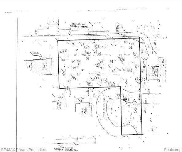 5650 Swan St, West Bloomfield, MI 48322 (MLS #2210026130) :: Kelder Real Estate Group
