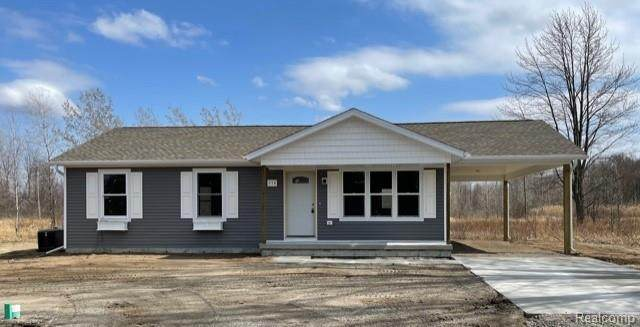 609 Range Rd., Kimball, MI 48074 (MLS #2210027407) :: The BRAND Real Estate