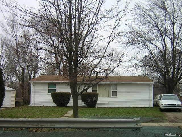 316 W Ainsworth Cir, Ypsilanti, MI 48197 (MLS #2210026057) :: The BRAND Real Estate