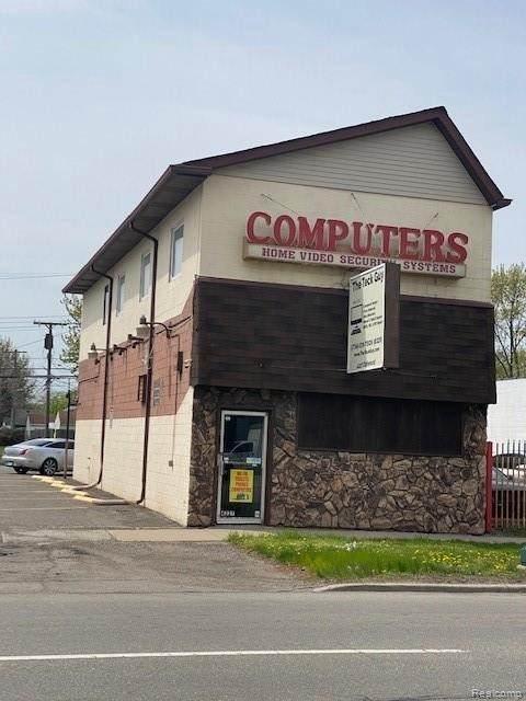 4227 Oakwood Blvd S, Melvindale, MI 48122 (MLS #2210029310) :: The Tom Lipinski Team at Keller Williams Lakeside Market Center