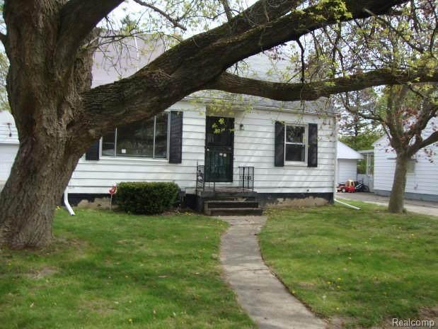 2820 W Wolcott St, Flint, MI 48505 (MLS #2210029680) :: Kelder Real Estate Group