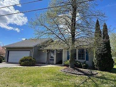 178 Somerset Dr, Brooklyn, MI 49230 (MLS #2210031297) :: The BRAND Real Estate