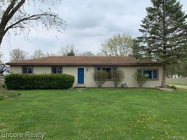 8233 Marlowe Rd, Van Buren Twp, MI 48111 (MLS #2210031530) :: The BRAND Real Estate