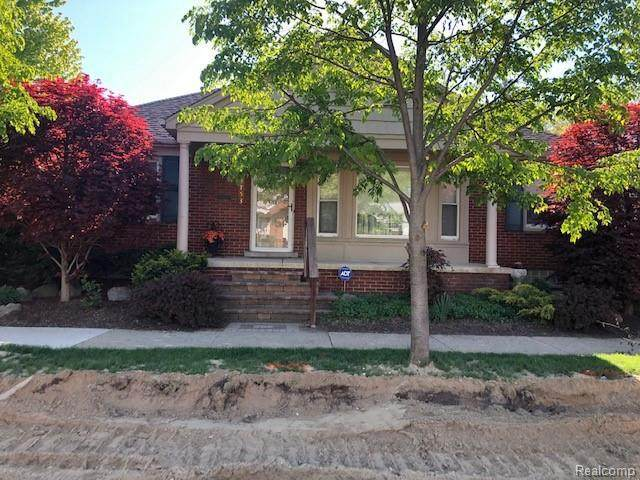 23753 Lawrence Ave, Dearborn, MI 48128 (MLS #2210035389) :: The BRAND Real Estate