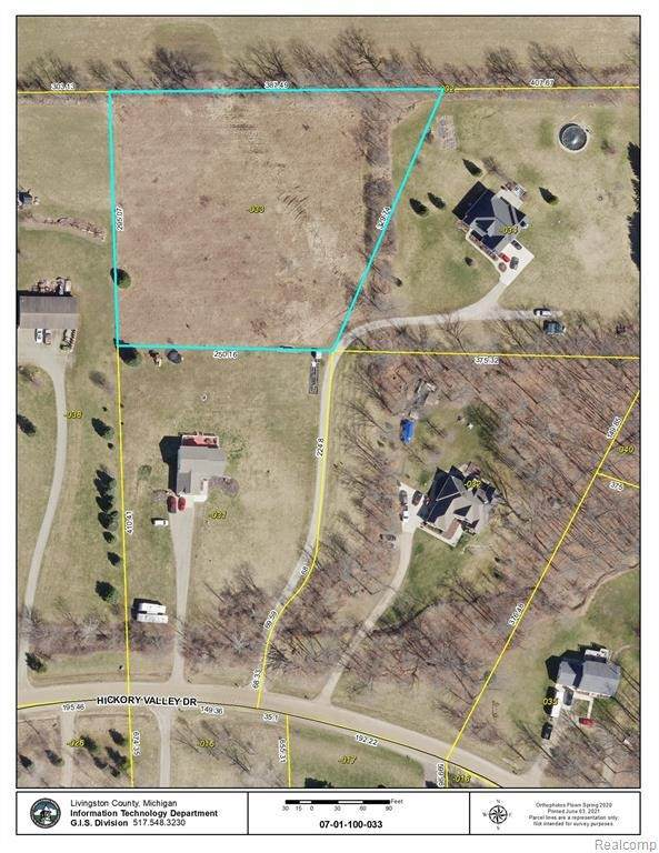 7207 Hickory Valley Dr, Howell, MI 48855 (MLS #2210042118) :: The BRAND Real Estate
