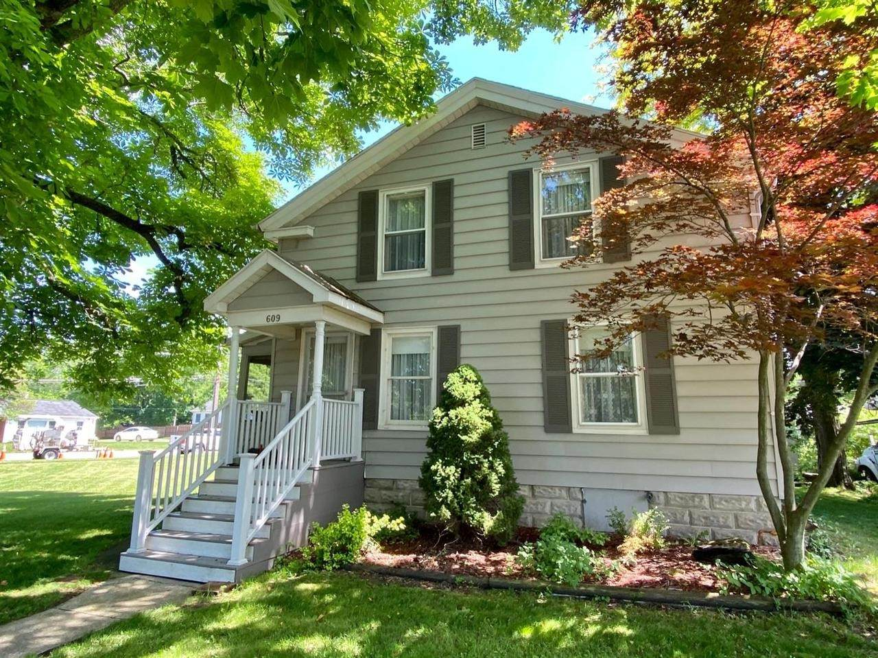 609 Middle St - Photo 1