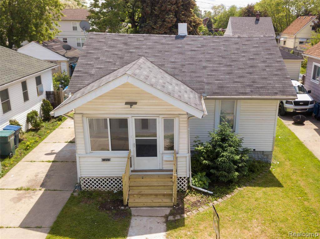 1433 Cicotte Ave - Photo 1