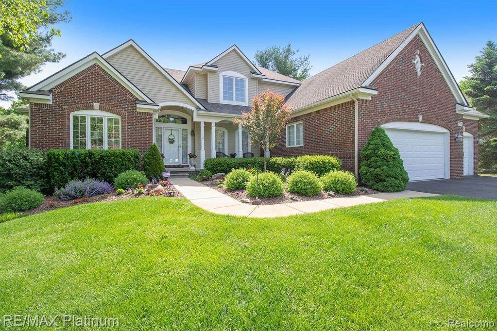 7533 Setters Pointe Drive - Photo 1