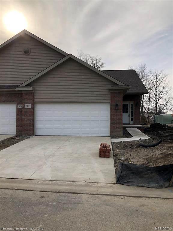 802 Chelsea Ridge Crt, Howell, MI 48843 (MLS #2210043815) :: The BRAND Real Estate