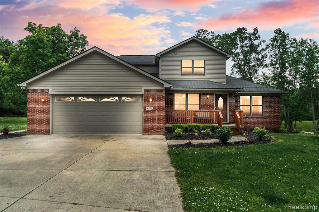 6426 Oak Grove Rd - Photo 1