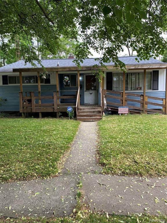 2917 Epsilon Trl, Flint, MI 48506 (MLS #2210044533) :: The BRAND Real Estate