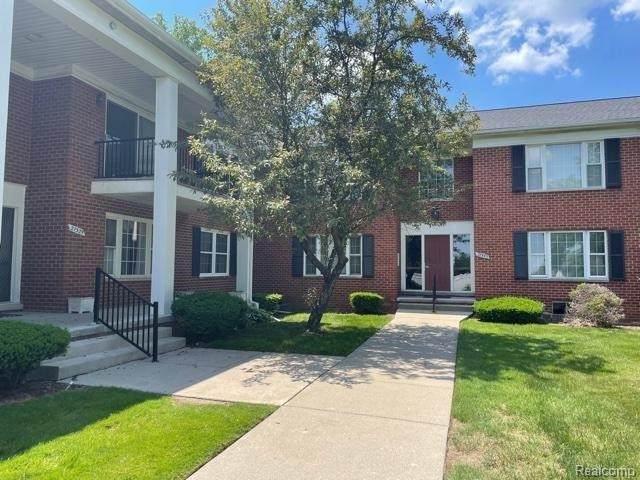 27543 W Echo Valley Unit#154, Farmington Hills, MI 48334 (MLS #2210044988) :: Kelder Real Estate Group