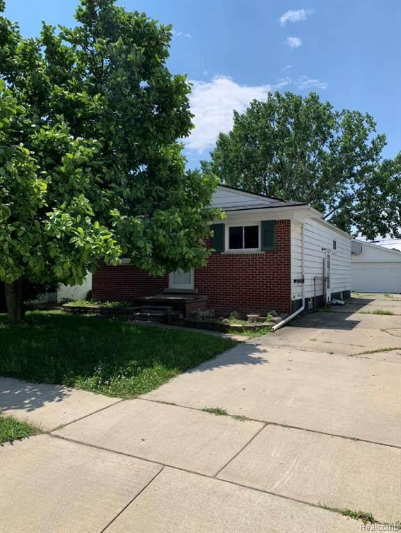 24827 Brittany Ave, Eastpointe, MI 48021 (MLS #2210052034) :: Kelder Real Estate Group