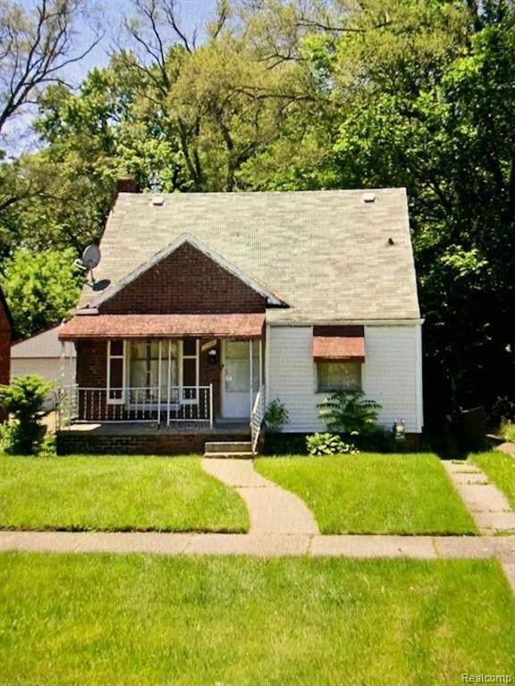 18699 Forrer St, Detroit, MI 48235 (MLS #2210053528) :: Kelder Real Estate Group