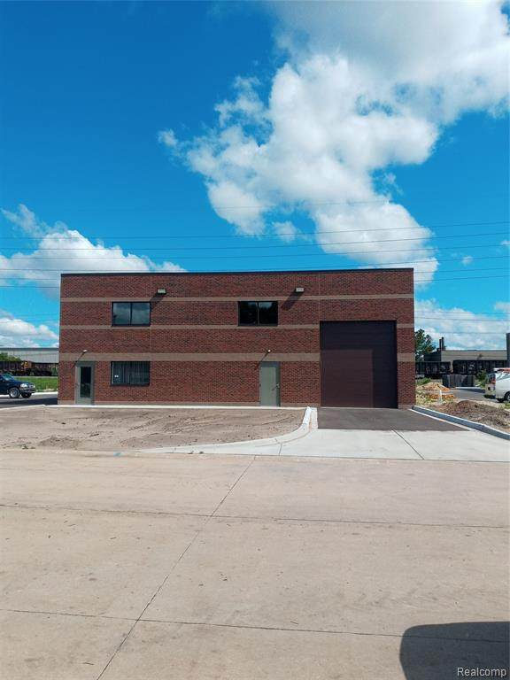 34422 Rosati Ave, Livonia, MI 48150 (MLS #2210054467) :: The Tom Lipinski Team at Keller Williams Lakeside Market Center