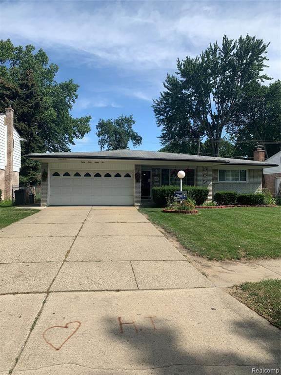 8395 Crestview Dr, Sterling Heights, MI 48312 (MLS #2210054507) :: Kelder Real Estate Group