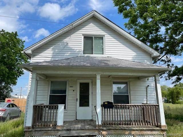 3018 S Jefferson Ave, Saginaw, MI 48601 (MLS #2210054738) :: Kelder Real Estate Group
