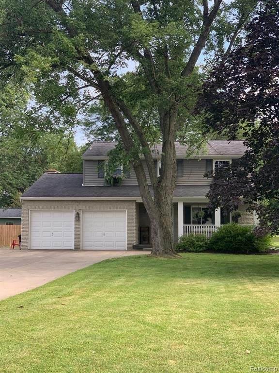 9264 E Lippincott Blvd, Davison, MI 48423 (MLS #2210054949) :: Kelder Real Estate Group